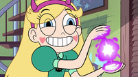 S4E5 Star charging magic in her hands