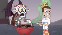 S4E6 Relicor Lucitor grilling hamburgers
