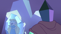 S2E34 Rhombulus looking at frozen Star Butterfly