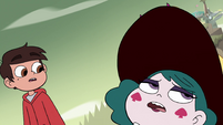 S4E33 Eclipsa Butterfly falls over and faints