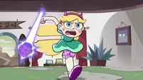 S4E7 Star running with a magic bazooka