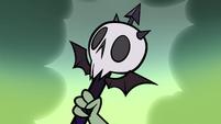 S1E3 Skull-shaped magic wand