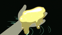 S3E7 Star holding gold piece of liquid magic
