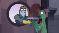 S4E1 Sir Lavabo giving linens to Slime