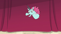 S4E24 Pony Head 'posing is a talent!'