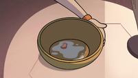 S4E13 One marshmallow left in Star's bowl