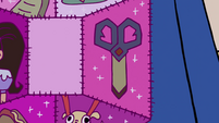 S4E18 Close-up on dimensional scissors patch