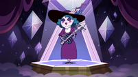 S4E9 Eclipsa starts singing and playing guitar