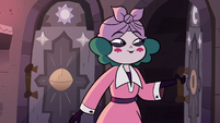 S3E28 Eclipsa opening the unlocked door