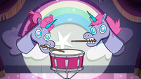 S4E9 Shonda and Shinda on the drums
