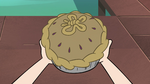 S4E2 Moon's pie in Star's hands