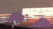 S4E6 Demon blender still overfilled with fruit