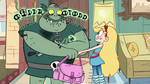 S2E11 Star Butterfly giving Buff Frog his bag