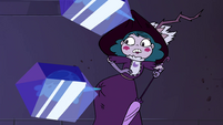 S4E4 Eclipsa's hat and dress get stuck to a wall