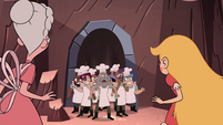 S4E2 Star and Moon cornered by Pie Folk
