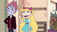 S4E25 Star Butterfly waving hello to Petey