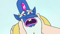 S3E37 Glossaryck looking very nervous