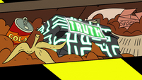 S2E17 Truth cube displays its final 'TRUTH' card