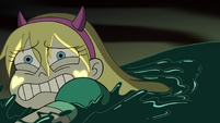 S3E7 Star Butterfly swims toward the other magic