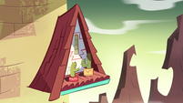 S4E25 Exterior view of Marco's temple bedroom