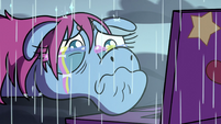 S3E35 Pony Head crying rainbow tears