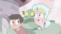 S3E7 Buff Frog picks up Moon and Marco again