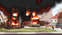 S1E13 Lobster Claws waddles into the burning house