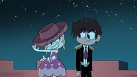 S1E15 Star wearing Marco's hat