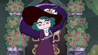 S4E1 Queen Eclipsa surrounded by flowers