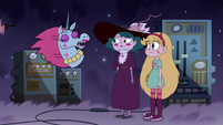 S4E9 Pony Head 'I know what I'm talking about'
