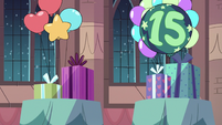 S3E25 Birthday presents and balloons
