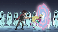S4E5 Marco shoves Star through the portal