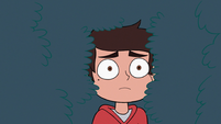 S3E19 Marco Diaz backing out of Kelly's hair