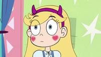 S4E13 Star Butterfly blushing at Marco