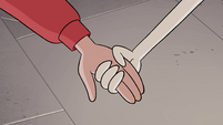 S4E34 Star Butterfly holding Marco's hand