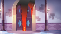 S3E10 The ballroom doors burn