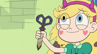 S3E22 Star holding Marco's dimensional scissors