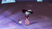 S4E23 Eclipsa standing next to a rooster