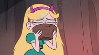 S4E28 Star Butterfly slurping spider chow