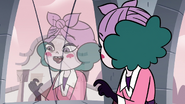 S3E28 Eclipsa 'cutest tail in all of Mewni'