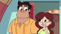 S3E32 Rafael and Angie touched by Marco's gift