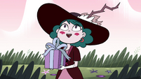 S4E23 Eclipsa giving Globgor his present
