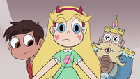 S4E1 Star, Marco, and River look at T-shirt
