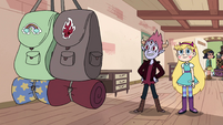 S4E25 Star and Tom look at traveling bags