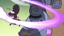 S4E32 Queen Eclipsa vs. the Solarian warrior