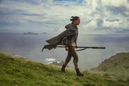 Rey-the-last-jedi-on-ahch-to