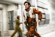 Poe Running TLJ