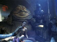 Boba-fett-in-background-jabbas-palace-2