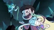 Marco deteniendo a Star