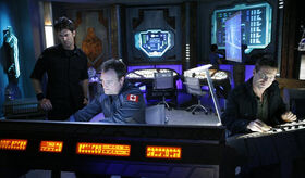 SGA-5x11 - Sheppard, McKay, Jackson dans le laboratoire de Janus